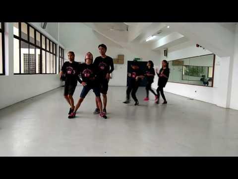 CROWN DANCER SANDAKAN. COVER [ROYAL FAMLIY] PRACTICE