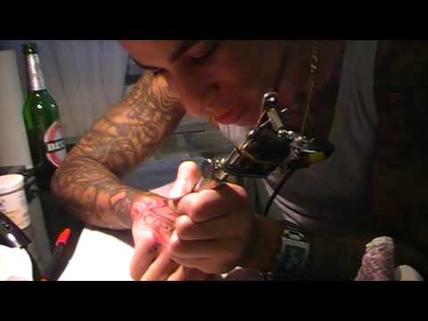 how to Tattoo your own hand_by_Mr._MajestiC_HD.mp4