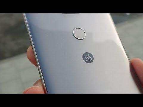 LG V30 live Q&A (Vodafone 4G stream)