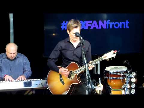 Kevin Bacon's performance at Fox Fan Upfront Event Extravaganza 2013