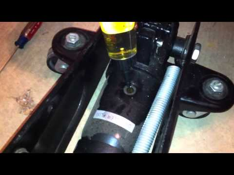 Tutorial: How to fix an ailing hydraulic jack