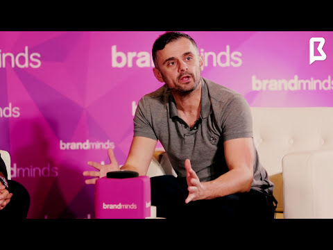 Avi Cicirean and Gary Vaynerchuk talking about blockchain in Singapore