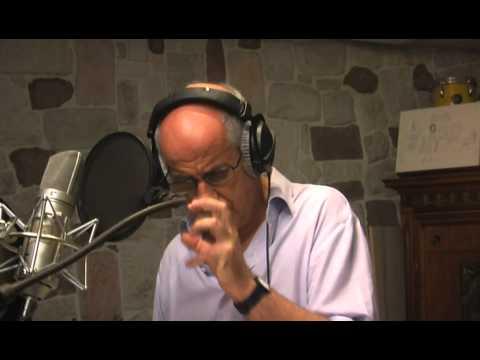 Estratto dellAudiolibro: Toni Servillo legge Hanno tutti ragione