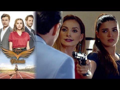Adriana y Magdalena se enfrentan con Julio | El vuelo de la victoria - Televisa