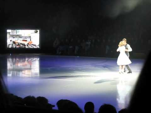 Stars on Ice 2012 Ekaterina Gordeeva and Ilia Kulik