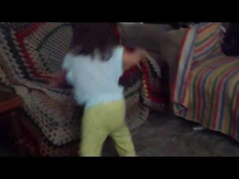Baby dance funny - bebe bailando gracioso-bebe gracioso - Lol - Dancing regaeton