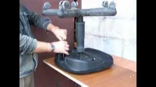 Как разобрать офисный стул и вынуть газлифт из пиастры