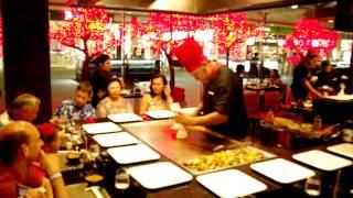 в ресторане Токио
