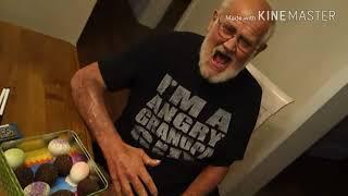 Смотреть Злой дед и шоколадные яйца пранк шок психонул и бомбанул шок жесть онлайн