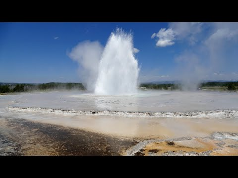 Great Fountain Geyser Eruption in Yellowstone