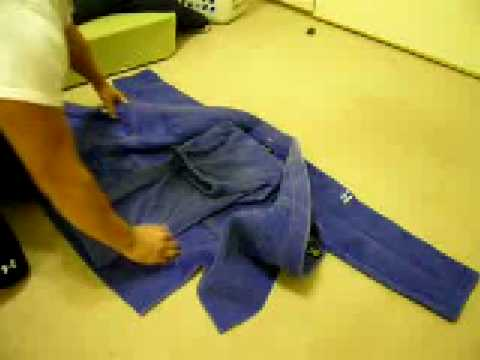 Japanese Style: How to Fold your Judo Gi (柔道着の畳み方)
