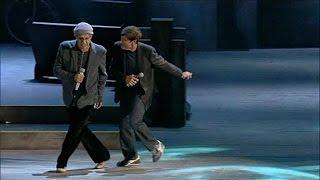 Gianni Morandi E Adriano Celentano Scende La Pioggia Live 2012