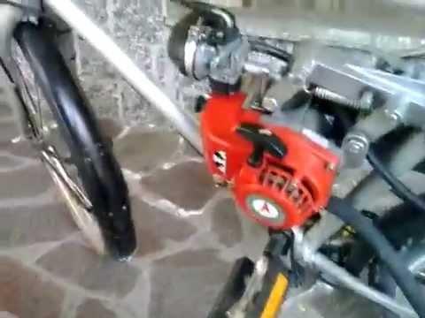 Bici A Motore A Scoppio 3 Velocità Interne Accesa Dopo 20 Anni Di Totale Inutilizzo