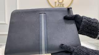 프라다 2vn003 사피아노 가죽 도큐먼트 삼선 클러치…