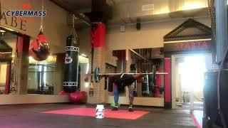 Силовые упражнения силачей старой школы с штангой которые делает Виктор Блуд .