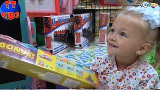 ✔ VLOG. Магазин Игрушек. Шопинг с Ярославой. Toy shop  Shopping with girl Yaroslava. Серия 30 ✔
