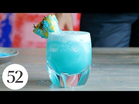 Ultra-Refreshing Breezy Blue Hawaii   Drinks52