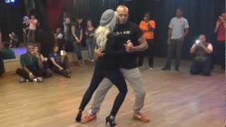 Видео: Kizomba Beginner/Intermediate with Albir and Sara in Paris