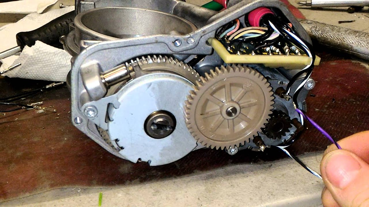 Mercedes throttle body motor problem - YouTube