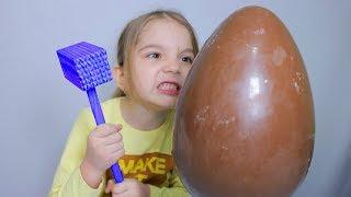 UOVA DI PASQUA APRIAMO CON MARTELLO ( Surprise Eggs )