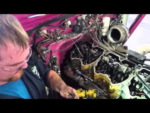 Valve Lash Adjustment on Caterpillar C15 - YouTube