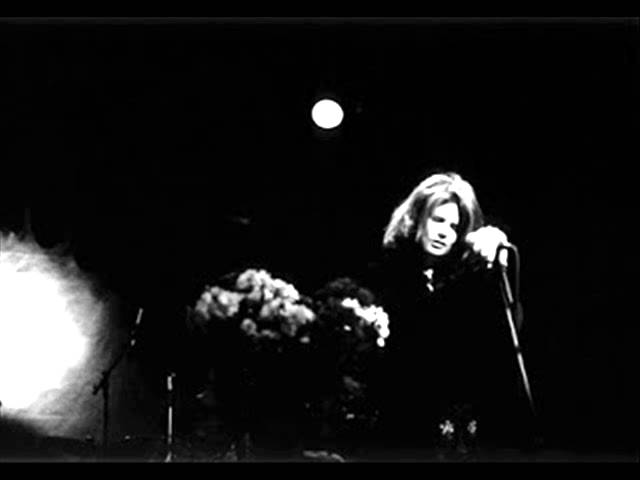 cowboy-junkies-working-on-a-building-wagnerianyes