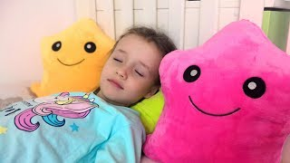 Twinkle Twinkle Little Star Song for Children Nursery Rhyme by Ulya and Tisha