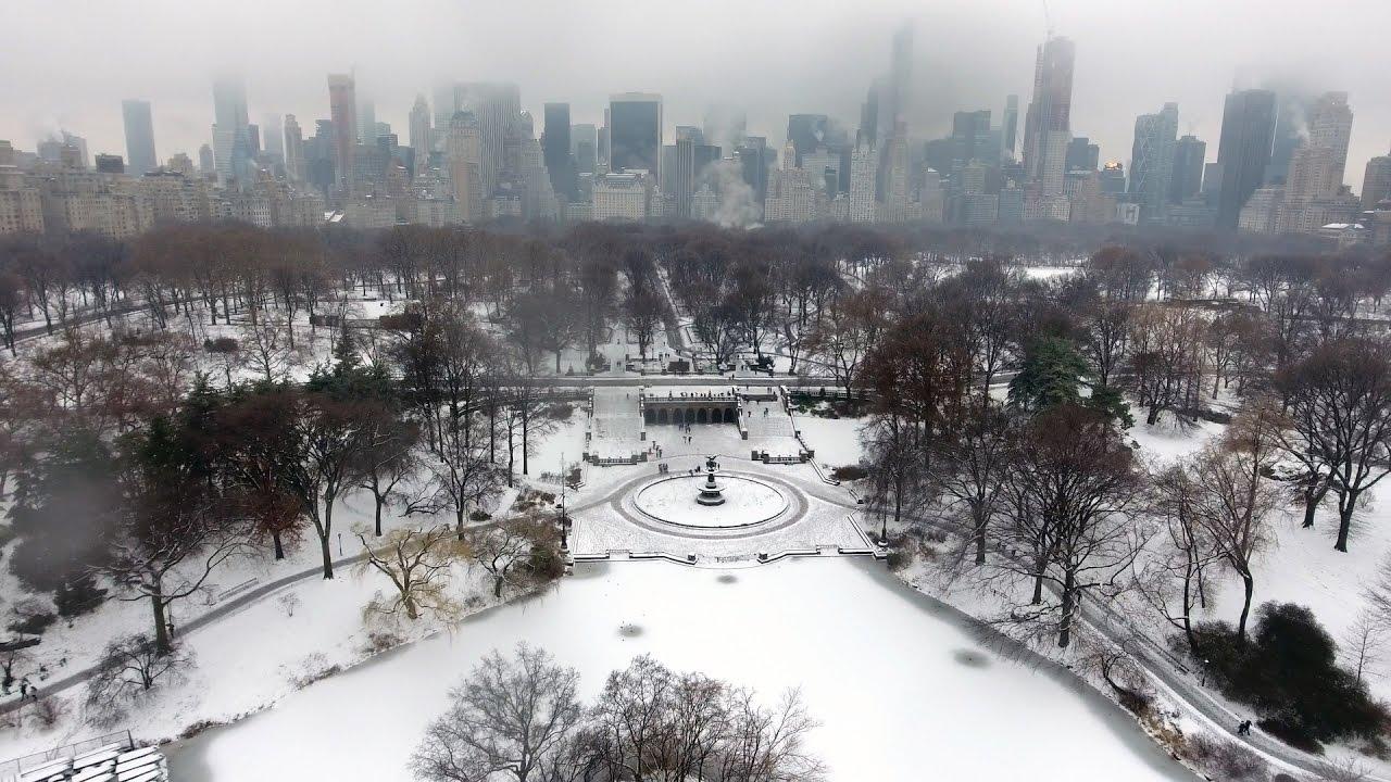 Con calores asfixiantes, nada mejor que desearos ¡Feliz Navidad en New York!...