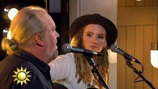 Moa Lignell och Plura - Old towns (Live) - Nyhetsmorgon (TV4)