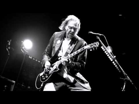 Neil Young - Hitchhiker On The Road (Live Worcester)