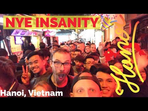 VISIT HANOI! NIGHTLIFE TOUR🍺🇻🇳 CRAZY #1 Beer Street TA HIEN on NYE 2018 - Vietnam Travel Vlog