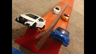 HOT WHEELS HATCHBACK SUPER JUMP BATTLE