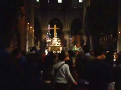 Catedrala Notre Dame din Paris (momente din slujbă)  (22/09/2012)