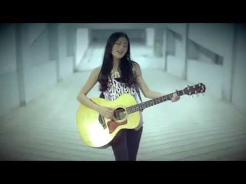 Sheila on 7   Dan Cover by Noella Sisterina Accoustic Cover