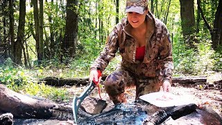 ⁴ᴷ Cook Steak on a Rock Bushcraft Girl in the Woods