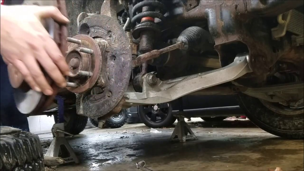 How To  2004-2008 Ford F150 Hub Assembly Replacement