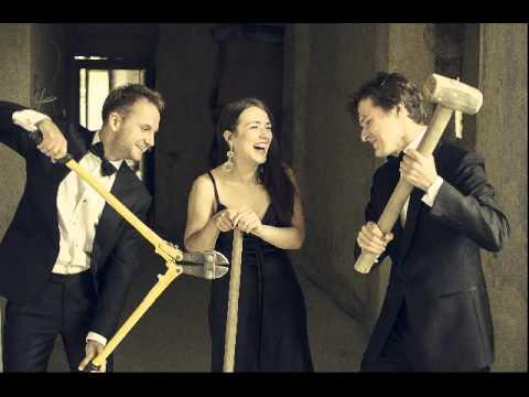 JEAN FRANÇAIX – Trio for clarinet, viola and piano (1990)