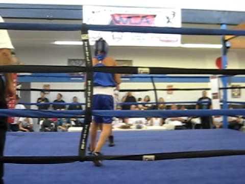 Robert Flores Video - Boxing Video - FightsRec.com