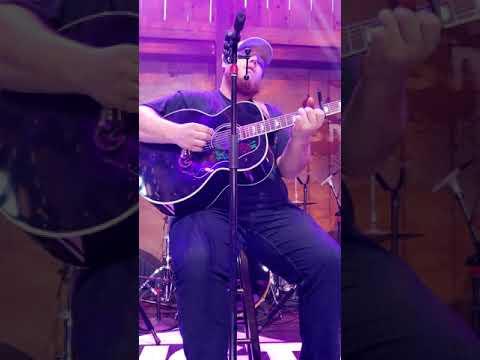 Luke Combs - Beautiful Crazy (6/7/2018) HGTV Lodge  Nashville,  TN