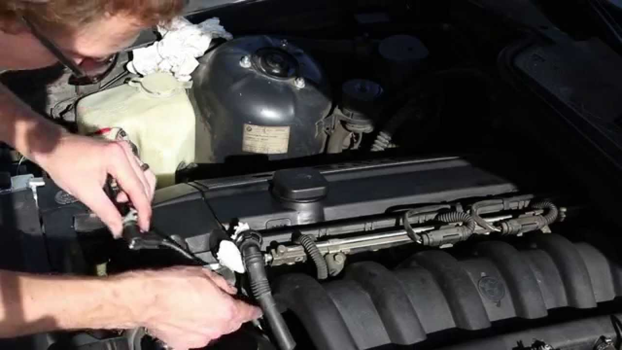 how to replace the camshaft position sensor on the bmw e36 1998 328i youtube [ 1280 x 720 Pixel ]