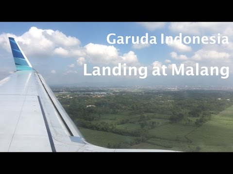 Garuda Indonesia Boeing 737-800 PK-GNG Landing in Malang | Abdulrachman Saleh Airport