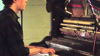 "Peter Broderick - ""Pulling The Rain"" Studio Recording"