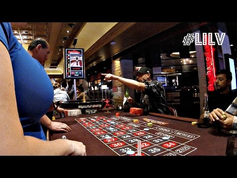 GAMBLING in VEGAS...where is all the DIRTY CARPET?