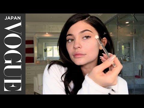 カイリー・ジェンナーが自前メイクを公開。| Beauty Secrets | VOGUE JAPAN