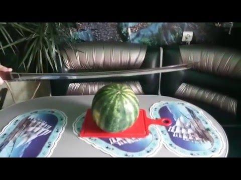 КАТАНА РЕЖЕТ АРБУЗ  Katana Cuts Watermelon Катана в деревянных ножнах