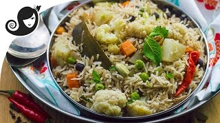 30-minute One Pot Vegetable Pulao (Rice Dish) | Vegan/Vegetarian Recipe