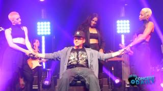 Ciara gives fan a lap dance to