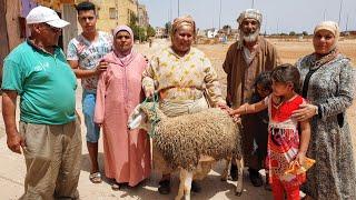 عائلة مكانوش غادي يعيدو و لم يبقى للعيد إلا يوم واحد