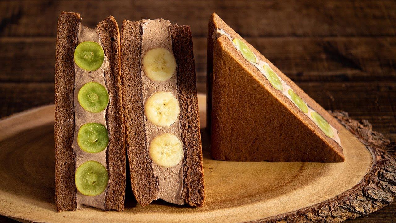 チョコシフォンサンド/シャインマスカットとバナナ Chocolate chiffon sandwich