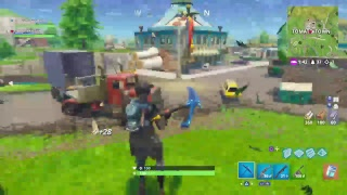 Grinding to get pixaxe and Jacket on fortnite Battle royal /the golden fury